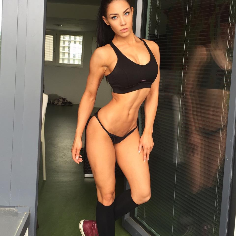 Стефани Дейвис (Stephanie Davis) instagram fitness model