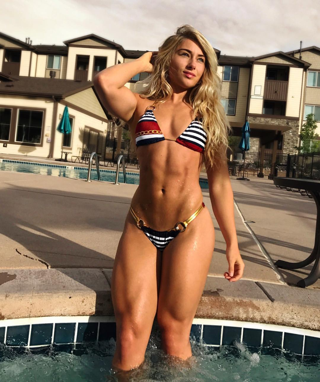 Carriejune Anne Bowlby FITNESS MODEL, HEIGHT, WEIGHT, PHOTO, INSTAGRAM