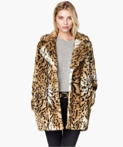 Fashion models of fur coat-2017 2018 as on these photos - a new upward trend: ...