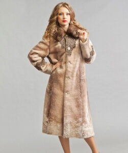 Classic styles of fashionable women's coats 2017-2018 from Mouton (with photo) ...